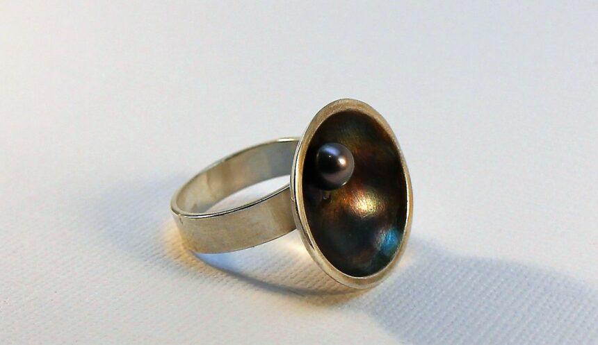 Silver ring med pärla